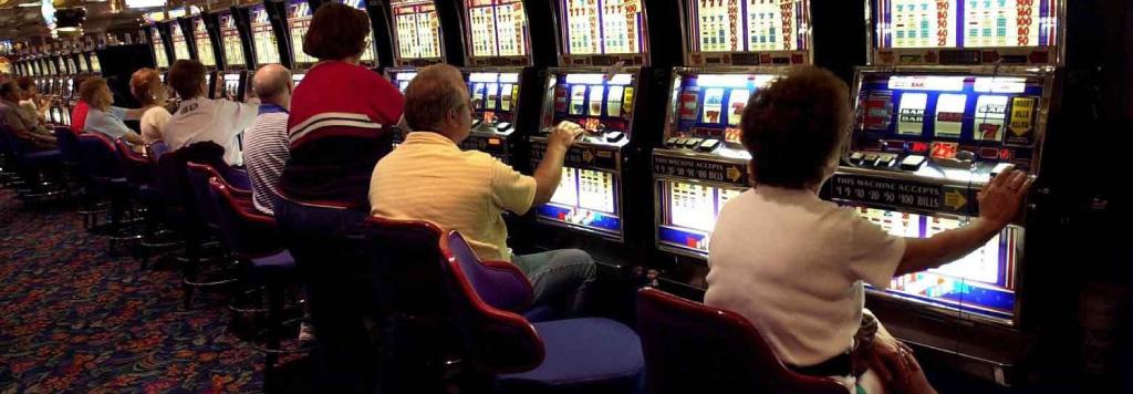 Lycklig spelare miljoner pokermarker